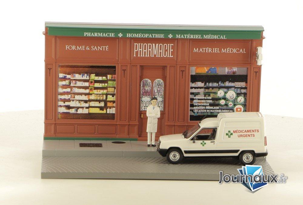 Le Pharmacien dans son Renault 5 Express