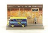 Le Marchand de Cycles Dans sa Peugeot D3A